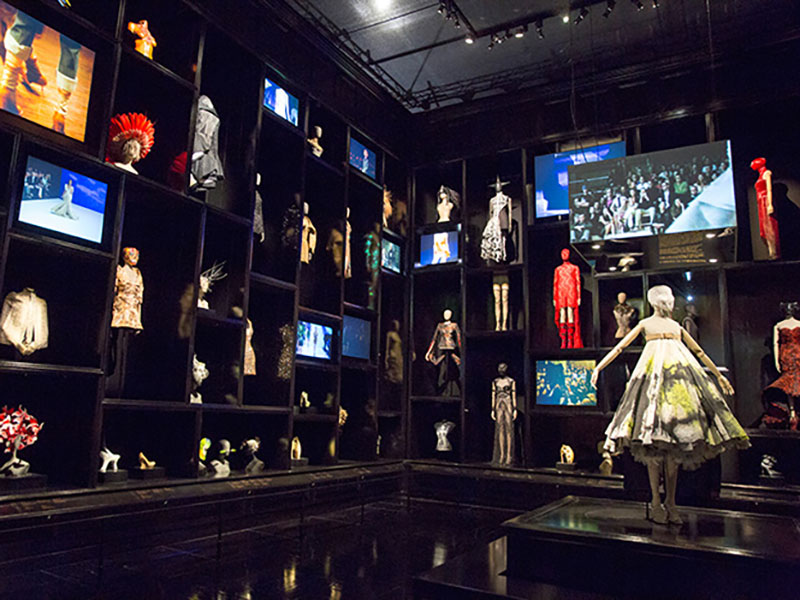 Alexander McQueen: Savage Beauty at V&A